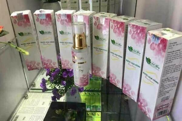 Nước hoa hồng Linh Hương là một sản phẩm được các chị em khá ưng ý