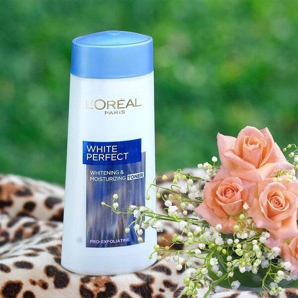 Nước hoa hồng loreal white perfect cho mọi loại da ( chai màu trắng xanh)