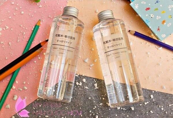 Review nước hoa hồng dành cho da dầu Muji Light Toning Water Light