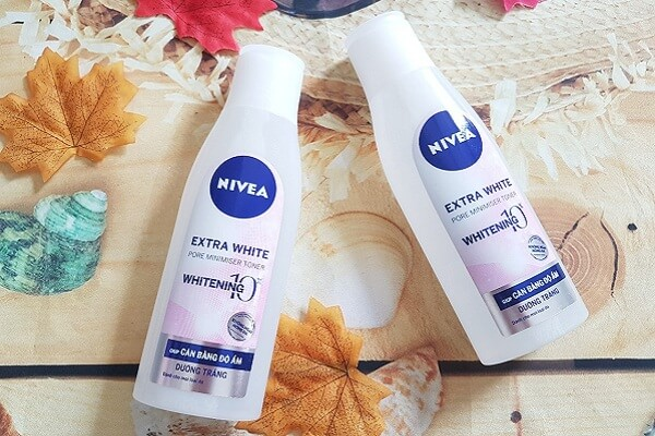 Nước hoa hồng Nivea không cồn Extra White Pore Minimiser (chai màu trắng)