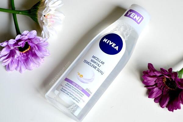 Nước hoa hồng Nivea Sensitive cho da nhạy cảm