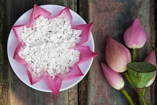 Tác dụng của bột sắn dây nấu chín, uống sống với làm đẹp sức khỏe