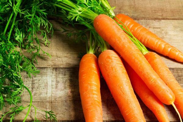 Giá trị dinh dưỡng của cà rốt gồm khoáng chất, vitamin gì?
