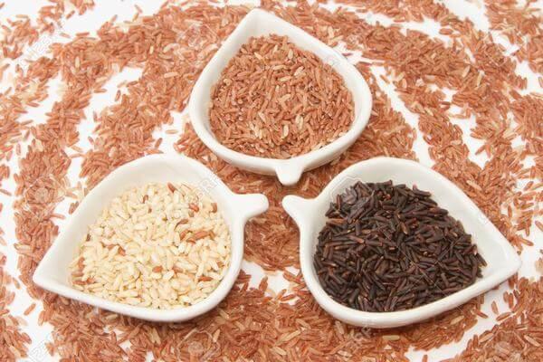 Gạo lứt từ lâu đã trở thành một loại ngũ cốc tin dùng đối với những người ăn kiêng, giảm cân