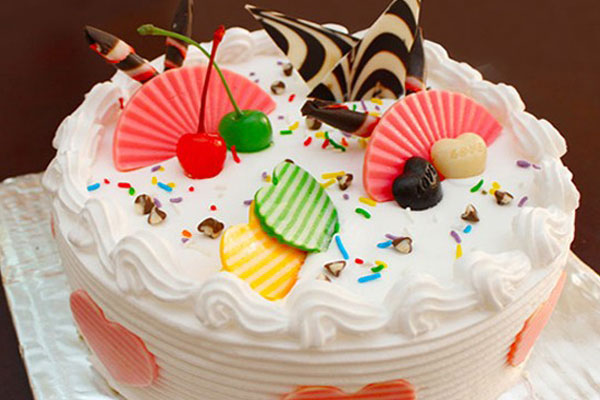 Bánh sinh nhật - món ngon đãi tiệc sinh nhật tại nhà