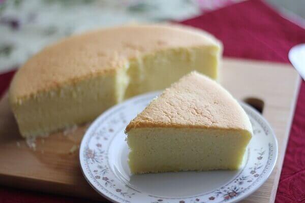 Cách làm bánh bông lan bằng lò vi sóng – Nướng bánh với lò vi sóng