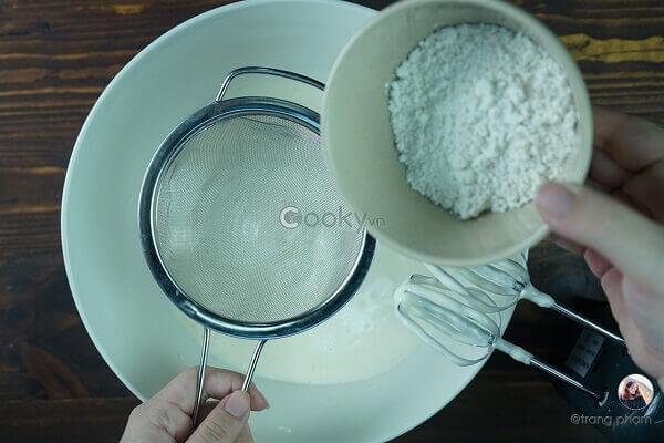 Cách Làm Bánh Bông Lan Trứng Muối Chà Bông Bằng Nồi Cơm Điện