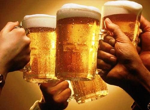 Rượu bia khiến tình trạng hôi nách nghiêm trọng hơn