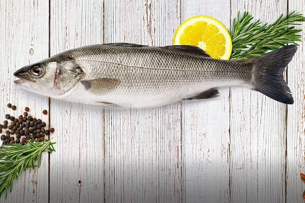 Nâng mũi xong ăn cá được không, có ảnh hưởng vết mổ hay không?