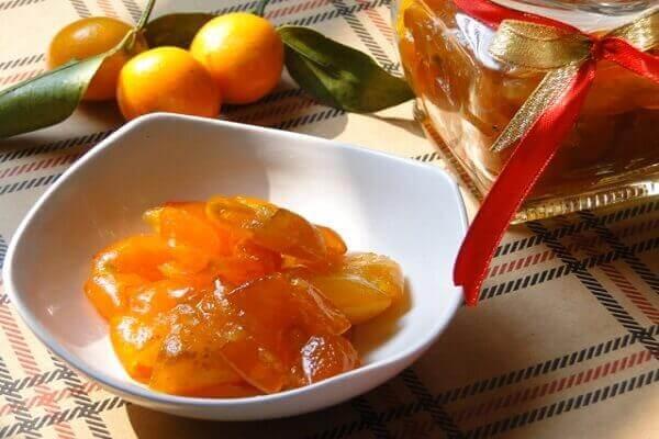 Cách làm mứt trái cây dẻo với Mứt quất Hà Nội