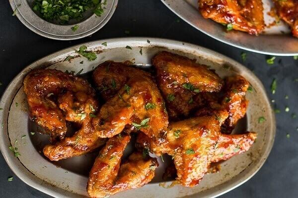 Ngon không cưỡng với cách làm cánh gà chiên nước mắm bằng tiếng anh chỉ với vài bước đơn giản.