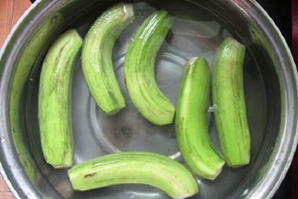Cách làm mứt chuối xanh dạng sấy khô ngon giòn ngày Tết