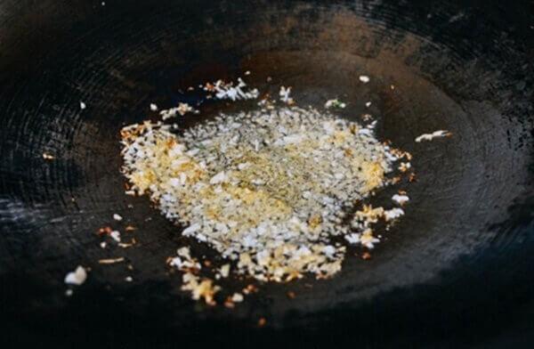 Hướng dẫn cách làm món thịt kho tàu, thịt kho hột vịt bằng tiếng anh - Món ngon trong ngày Tết cổ truyền