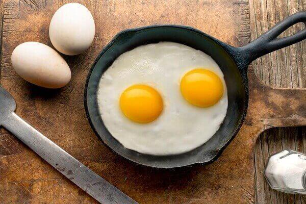 Egg whites have no cholesterol - Cách làm trứng ốp la bằng tiếng Anh - How to make Omelette