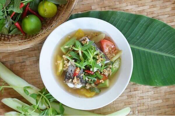 Canh chua cá lóc tiếng Anh là gì? Cách nấu Canh chua cá lóc bằng tiếng Anh ra sao?