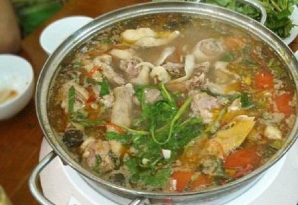 Cách nấu lẩu ngan măng chua ngon tuyệt hương vị khó cưỡng