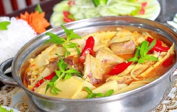 Cách làm lẩu vịt măng cay càng ăn càng nghiền
