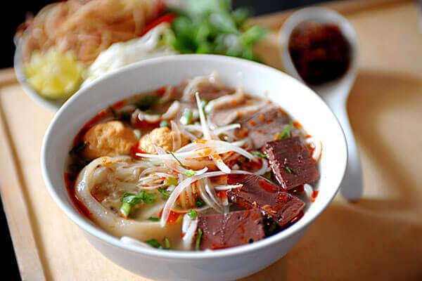Cách nấu bún bò huế bằng tiếng Anh, Bún bò Huế tiếng Anh là rice vermicelli