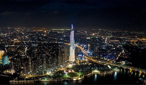 Toà nhà Landmark 81 cao nhất Việt Nam nằm trong top 10 toà nhà cao nhất thế giới đã hoàn thành và sẽ khai trương vào hôm nay (26/7).