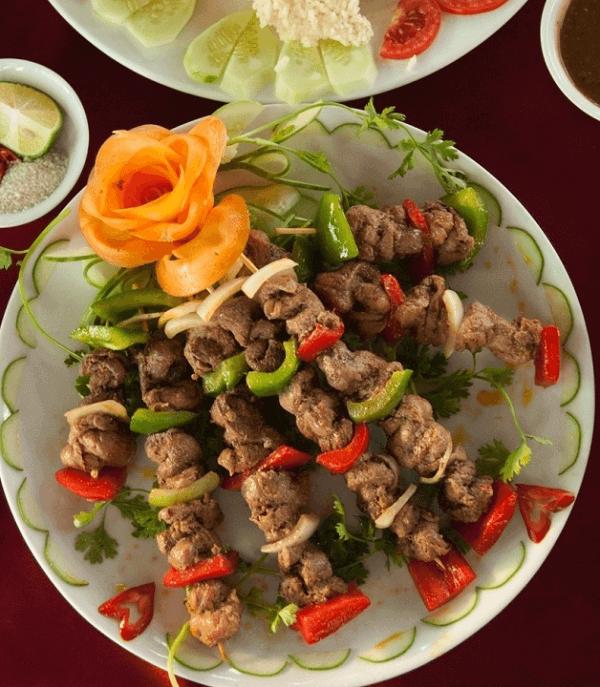 Cách chế biến món thịt đà điểu nướng hành tây, cà rốt