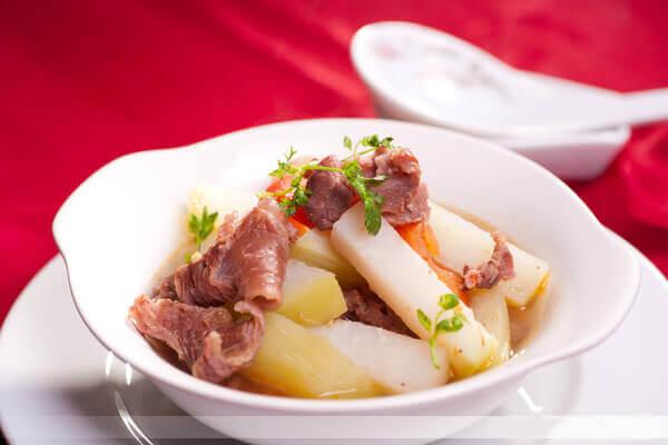 Cách nấu canh hạt sen, gân bò thơm ngon