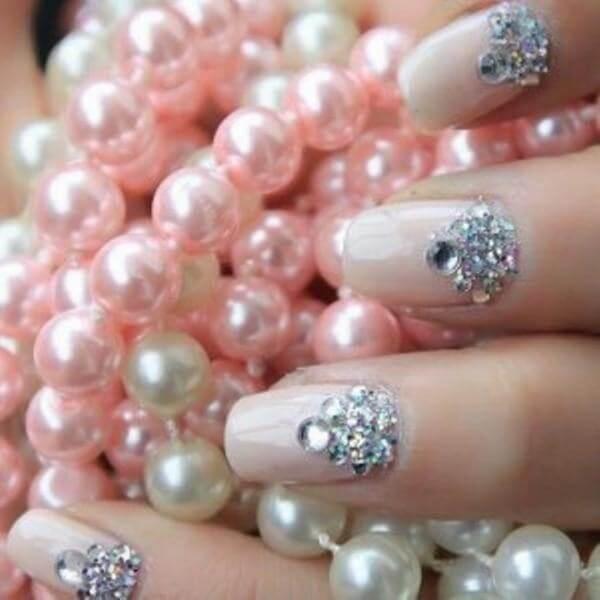 Các mẫu nail đẹp dành cho cô dâu trong ngày cưới cập nhật 2018, 2019 (có mẫu dành cho da ngăm đen, da tối màu)