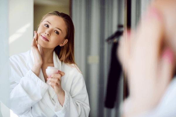Công thức và cách tự làm 10 loại kem dưỡng da ban đêm tại nhà bằng nguyên liệu thiên nhiên