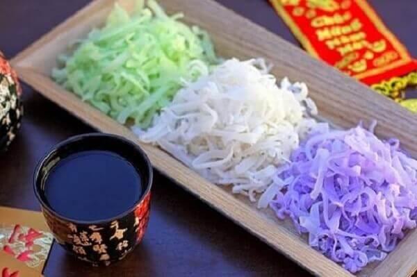 Bài thuyết minh giới thiệu về Ý nghĩa của các loại mứt Tết, các món ăn truyền thống ngày Tết Việt Nam
