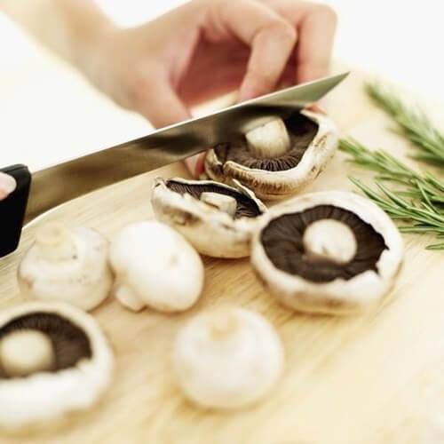 Nấm ăn được thường thơm hoặc không mùi – Tên, hình ảnh các loại nấm thông dụng ăn được, nấm độc ở Việt Nam