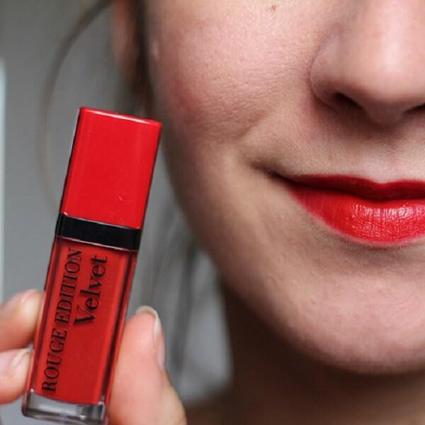 Son Velvet màu số 01 (đỏ tươi) – Personne Ne Rouge