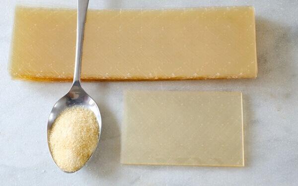 Bột gelatin có tác dụng giảm đau khớp.