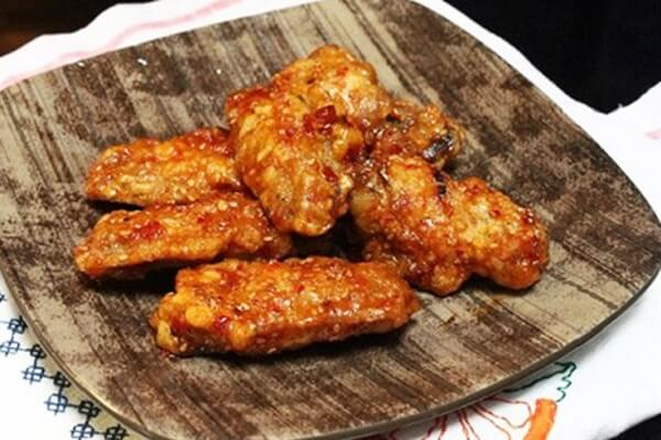 Cách làm gà rán Hàn Quốc Yangnyeom Tongdak không tẩm bột