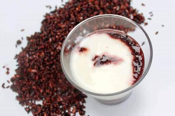 Cách làm sữa chua nếp cẩm để bán