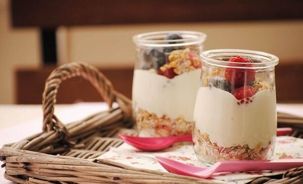 Tác dụng của sữa chua, sữa chua nếp cẩm và sữa chua không đường