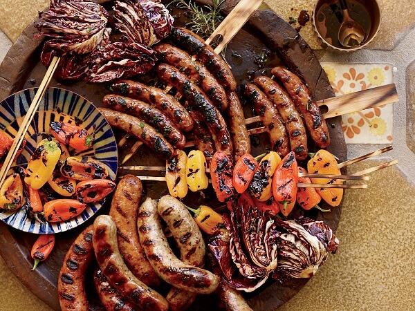 Xúc xích (tên tiếng Anh là sausage) là một trong các loại thực phẩm lâu đời nhất.