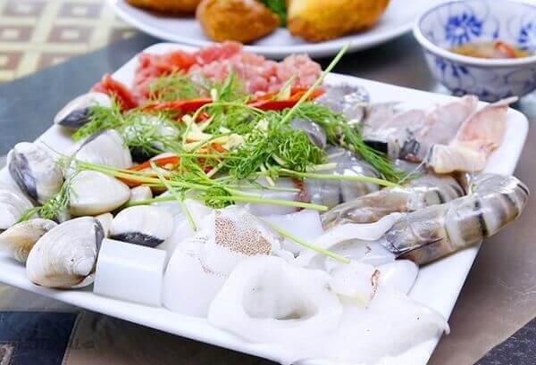 Sơ chế các nguyên liệu thịt và hải sản