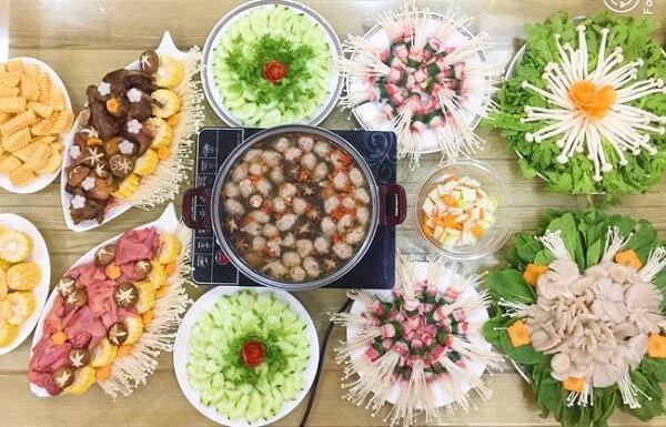 Cách nấu lẩu thập cẩm hải sản chua cay thơm ngon, đậm đà