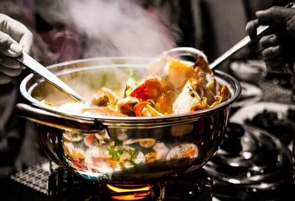 Lưu ý để nấu lẩu hải sản thập cẩm được thơm ngon đậm đà