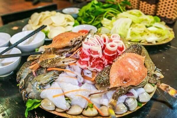 Sơ chế các loại thực phẩm khác ăn kèm lẩu