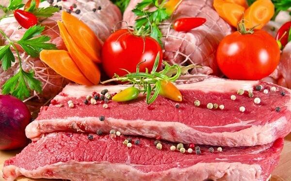 Bạn nên chọn mua các loại thịt cùng một số loại hải sản