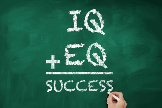 Hai chỉ số IQ và EQ thường đi chúng với nhau, giống như lý trí và cảm xúc