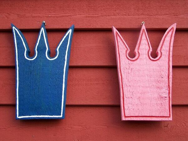 Drama Queen là nữ hoàng kịch còn Drama King là ông vua kịch.