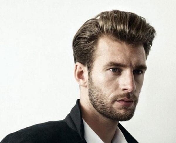 Đây là kiểu tóc đầy cá tính và không bao giờ lỗi mốt trong bất kì trường hợp nào