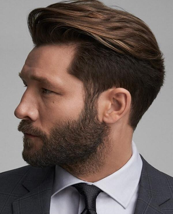Kiểu tóc này có một ưu điểm là trong rất gọn gàng và lịch lãm. Phù hợp với rất nhiều chàng trai khác nhau, ở nhiều độ tuổi khác nhau và nhiều công việc khác nhau.