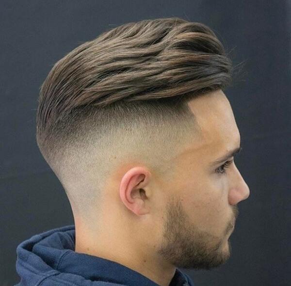 Các bạn nam trông sẽ rất lịch lãm và mạnh mẽ khi để kiểu tóc này