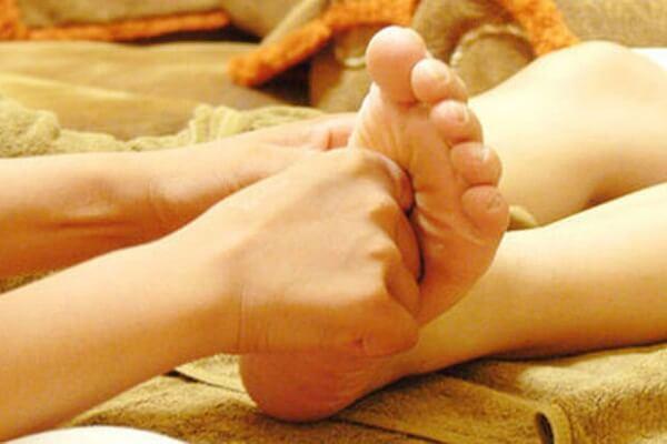 Cách Massage bấm huyệt đúng cách tốt cho sức khỏe, hỗ trợ điều trị cảm cúm