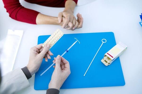 2 nguyên chính của việc uống thuốc tránh thai khẩn cấp bị trễ kinh, bị chậm kinh 10, 15 ngày