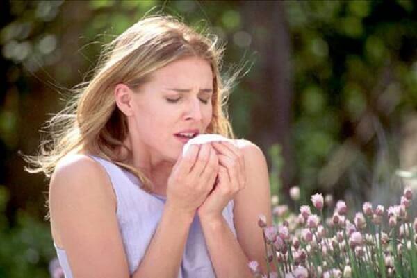 Nhảy mũi liên tục vào buổi sáng là dấu hiệu của bệnh gì? Cách khắc phục?