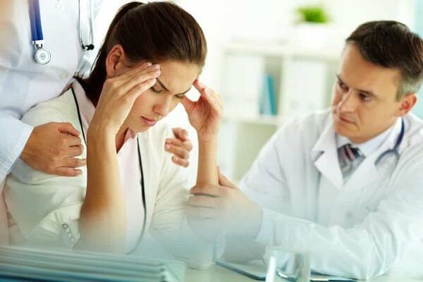 Những bệnh viêm xoang, viêm tai thường dẫn đến đau đầu