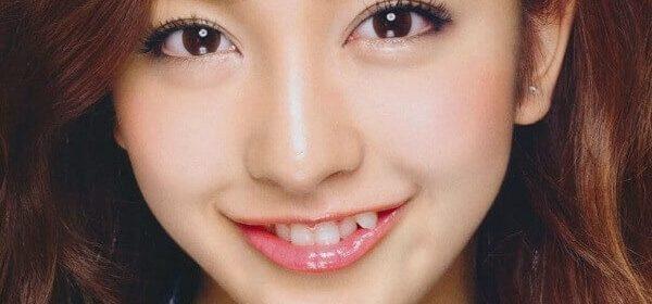 Răng khểnh là gì, những sao Việt có răng khểnh 1 bên, 2 bên đẹp, dễ thương nhất